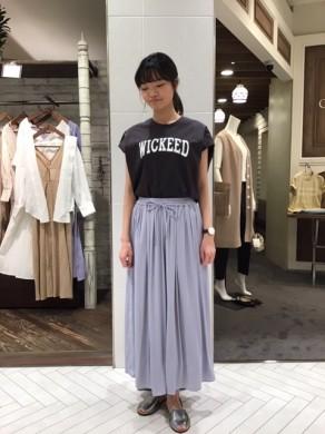 かずな着用(WICKEED×スカート)